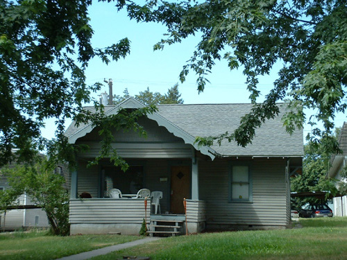 An exterior picture of the house on 117 N. Asbury Street in Moscow, Id