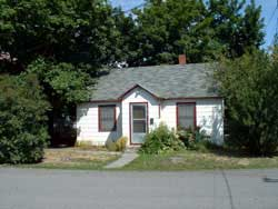 Exterior image of the three-bedroom house on 416 West Fourth in Moscow, Id