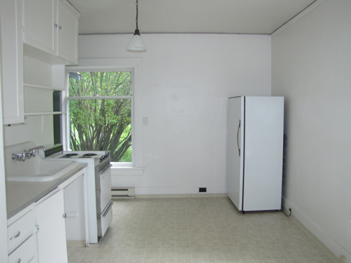 A one-bedroom apartment at 420 N.Washington, Moscow Id 83843