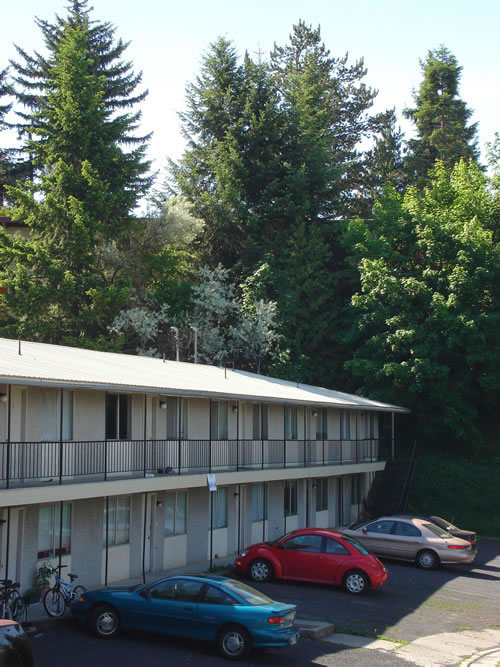 Exterior pictures of The Olympus Plus Apartments, 1200 Hillside Circle in Pullman, Wa