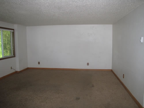 A three-bedroom apartment at The 1270 Hillside Duplex, Lower, Pullman WA 99163
