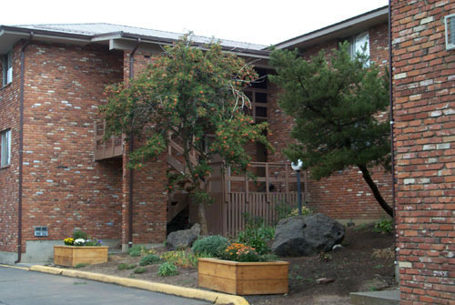 Exterior picture of THE WEST VIEW TERRACE APARTMENTS: 1130, 1134, 1138, 1142, 1146 Markley Drive; Pullman, Wa
